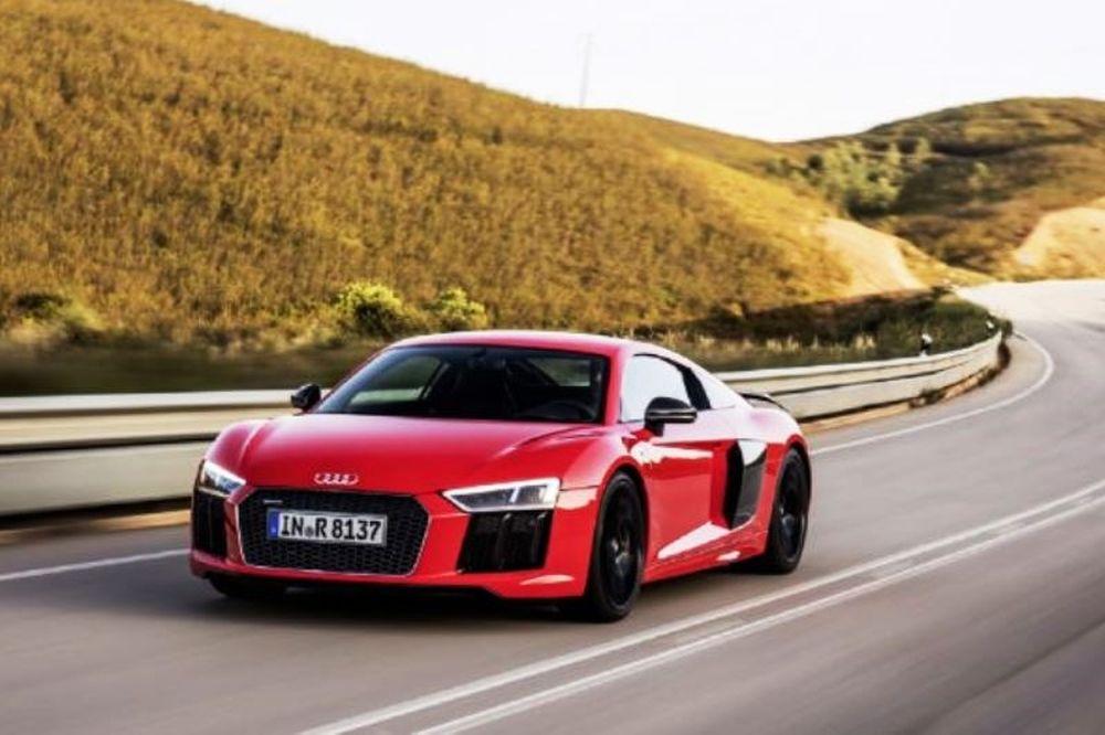 Νέες εικόνες από το Audi R8 (photos)