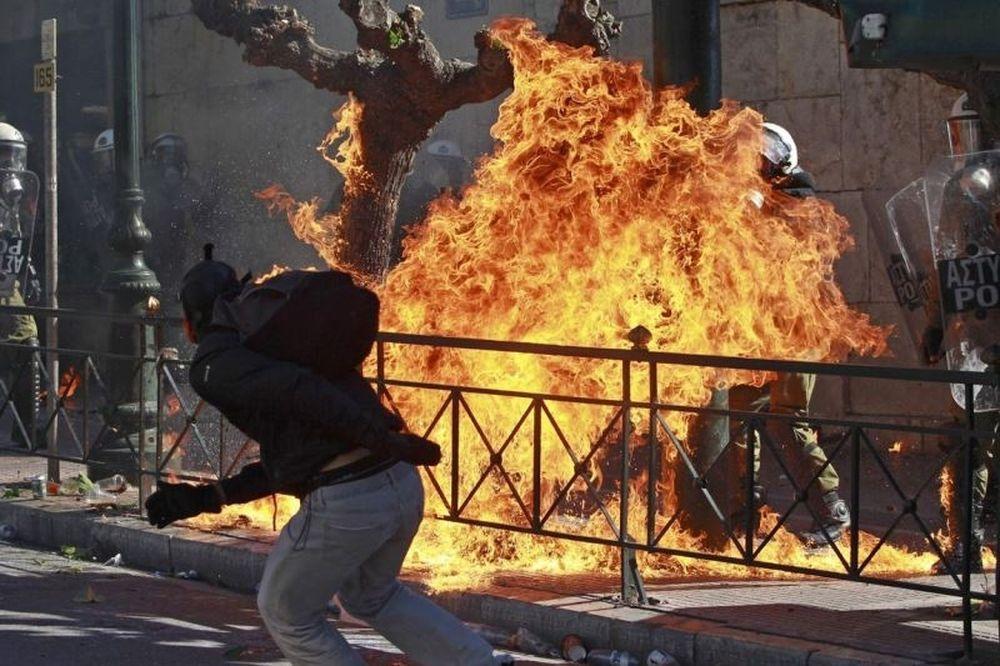 Τον φόβο σου, Έλληνα, ΤΩΡΑ πρέπει να τον νικήσεις!