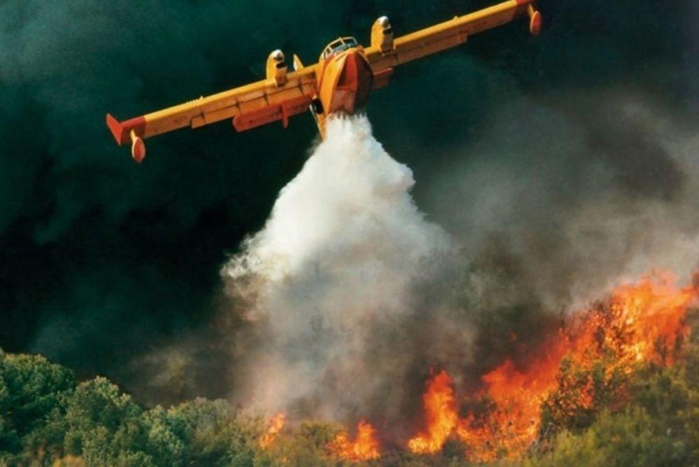 Εκτός ελέγχου η πυρκαγιά στη Λακωνία, νεκρός ένας 58χρονος (photos&video)