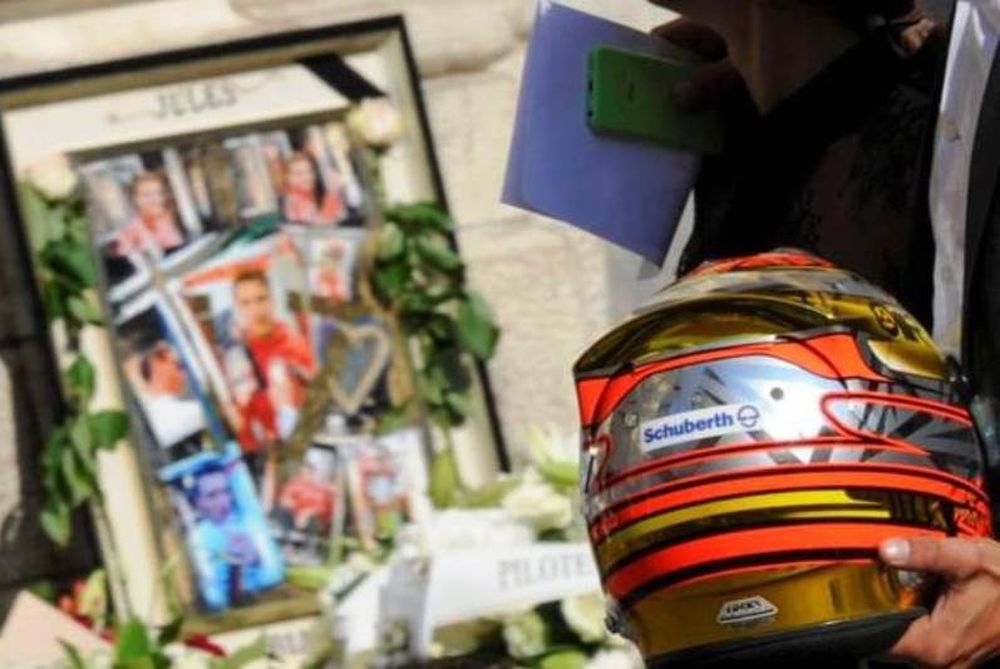 F1: Το τελευταίο αντίο στον Jules Bianchi (video & photos)