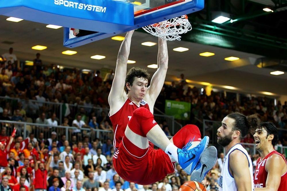 Δεν πάει Ευρωμπάσκετ ο Ασίκ