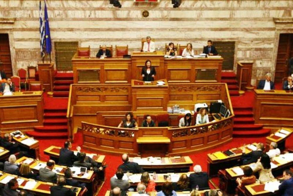 Βουλή - LIVE: Με το φως της ημέρας η ψηφοφορία για το νέο Μνημόνιο!