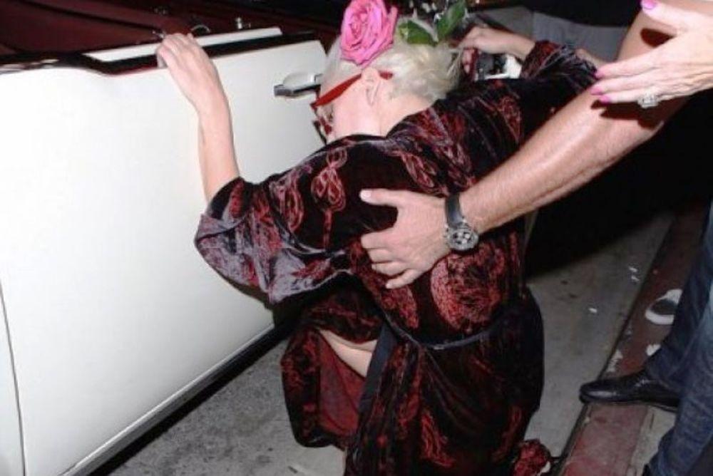 Ντύθηκε, στολίστηκε για να φάει... τούμπα λίγο μετά: Το μεγάλο ρεζιλίκι της star