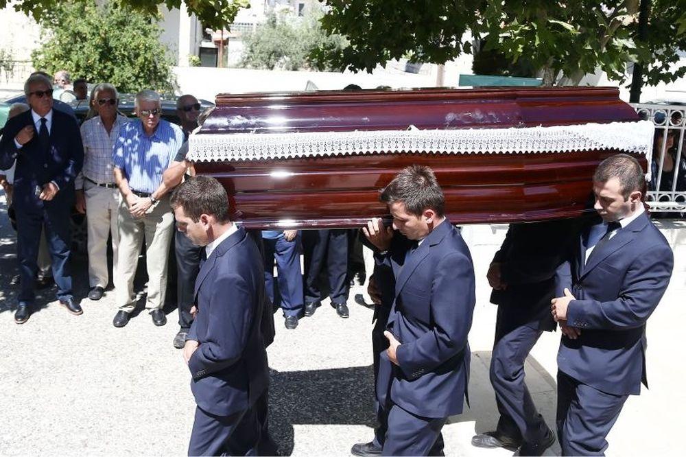 Το τελευταίο αντίο στον Γιάννη Ξενάκη (photos)