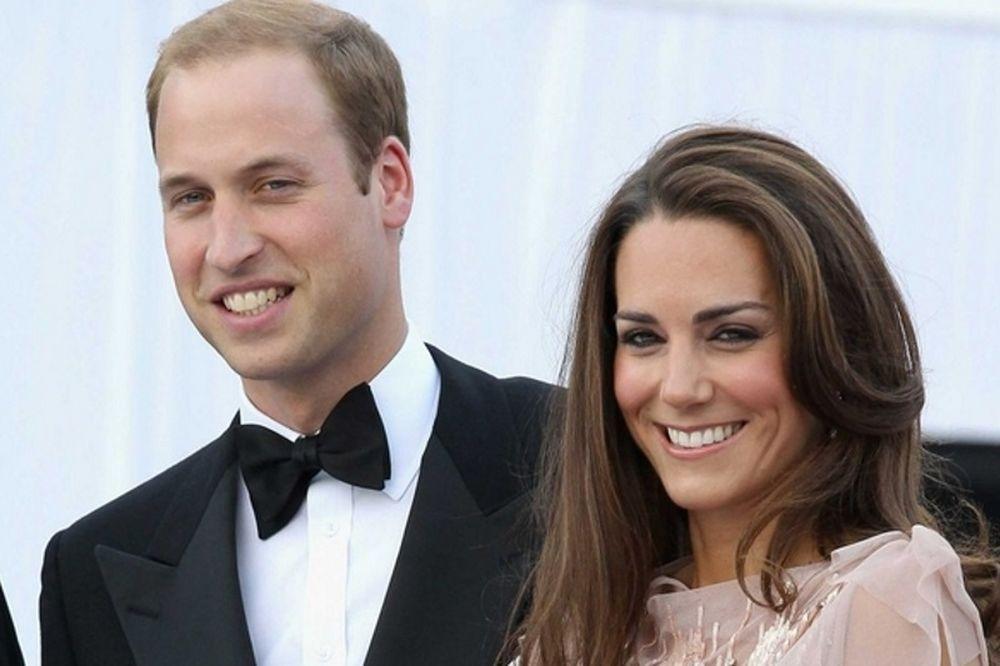 Σούσουρο στο παλάτι! Ο William πήγε σε γάμο συνοδευόμενος από την αδελφή της Kate