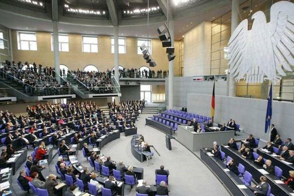 Υπερψηφίστηκε από την Bundestag το ελληνικό πρόγραμμα βοήθειας