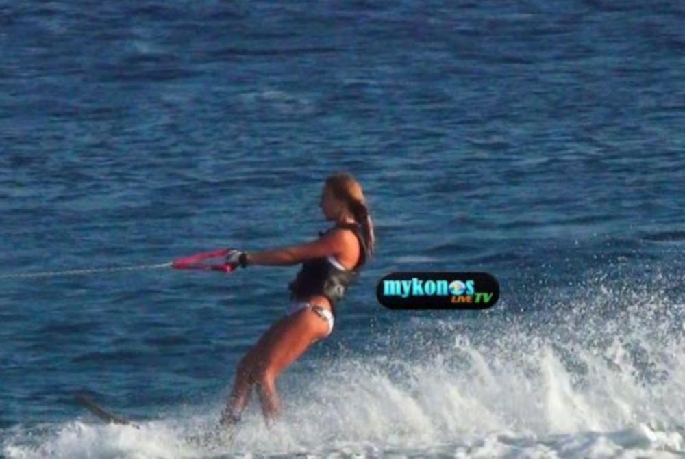 Η σέξι Τάμτα δάμασε τα κύματα! (video)