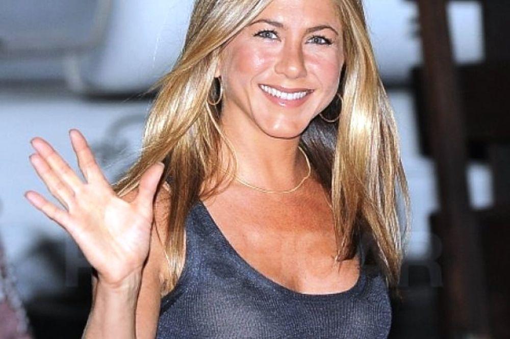 Η πρώτη εμφάνιση της Jennifer Aniston μετά το γάμο, ήταν όπως ακριβώς την περιμέναμε