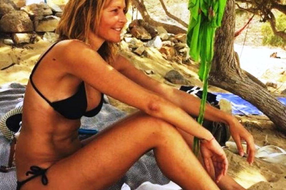 Η Τζένη Μπαλατσινού ποζάρει μαζί με την Αμαλία και η ομοιότητά τους μας «τρομάζει»