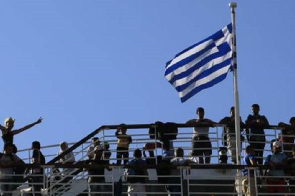 Ολοκληρώθηκε η μετακίνηση 2.500 προσφύγων στο λιμάνι του Πειραιά
