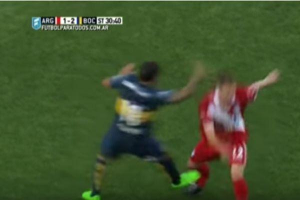 Το δράμα του Τέβεζ: Έσπασε το πόδι αντιπάλου του! (video)
