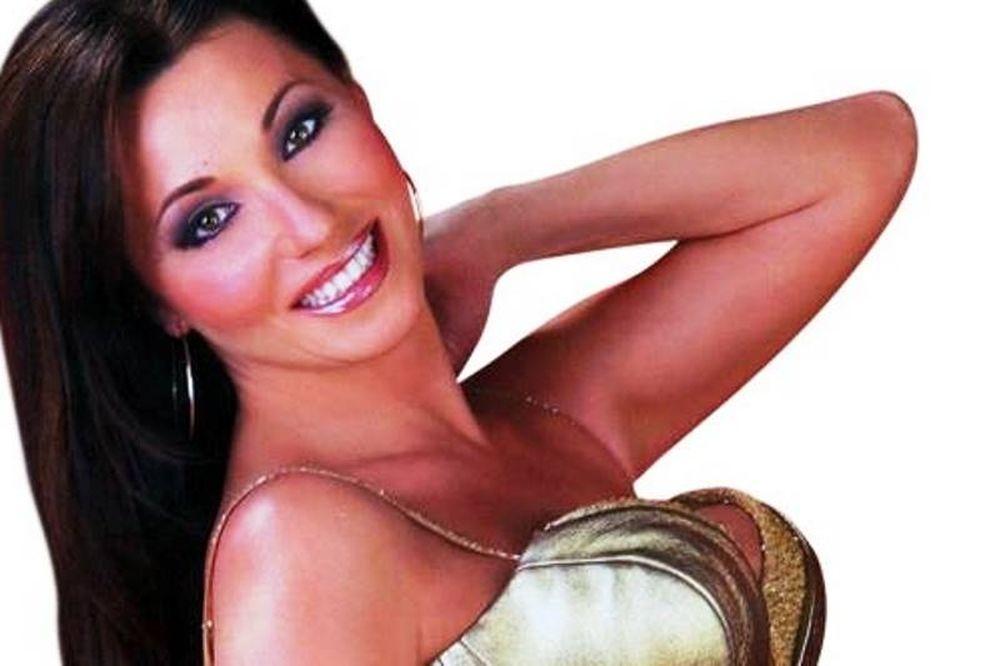 Πόπη Μαλλιωτάκη: Το τραγούδι «Ποπάρα» που μας είχε αναστατώσει! (video)