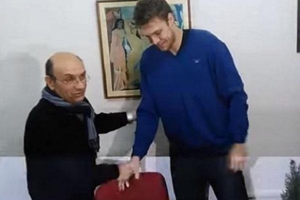 Έλληνας και με… τη βούλα ο Βεζένκοφ!