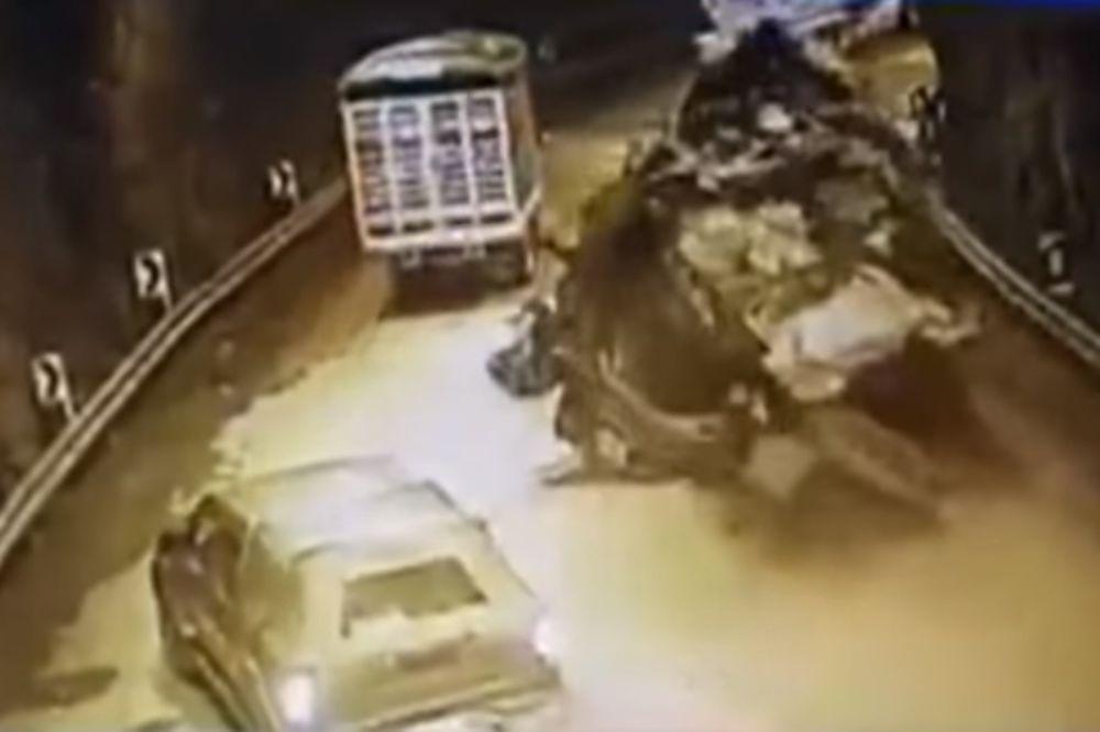«Τρελό» φορτηγό εισβάλλει σε τούνελ με τα φρένα… σπασμένα! (video)