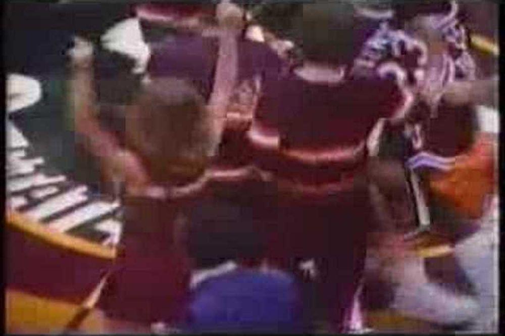 Πέρασαν 36 χρόνια από το επικό buzzer-beater του Λες Χένσον (video)