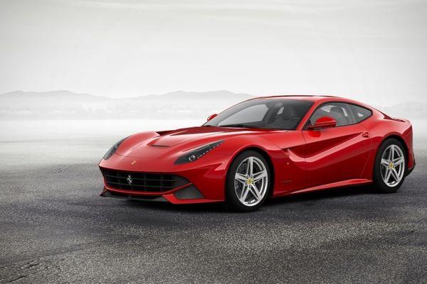 Συγκλονιστικό! Η Ferrari χρησιμοποιεί αρχαία ελληνικά στην έκθεσή της! (photo)
