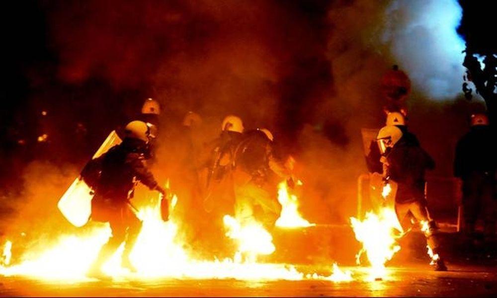 Τρόμος στην κυβέρνηση για εκτεταμένα επεισόδια - Απαγορεύονται οι συγκεντρώσεις!
