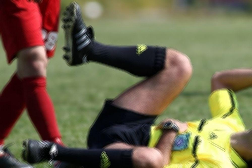 ΣΟΚ! Ποδοσφαιριστής σκότωσε διαιτητή για κόκκινη! (photos)