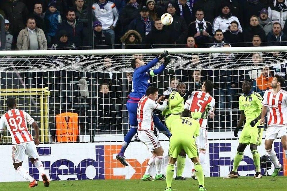 Άντερλεχτ - Ολυμπιακός 1-0: Τον «κρέμασε» ο Ρομπέρτο