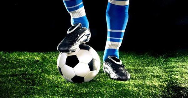 Σοκ στο γήπεδο: Γύρισε η γλώσσα νεαρού ποδοσφαιριστή!