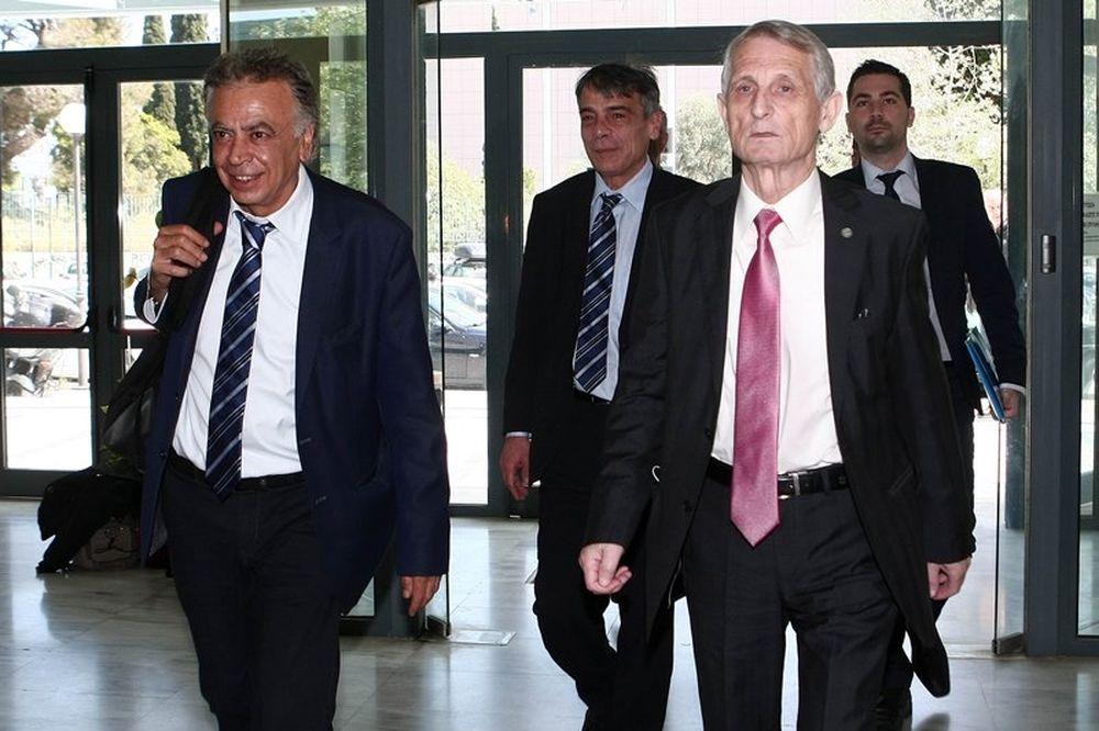 Grexit: Αρχίζει και πάλι το Κύπελλο!