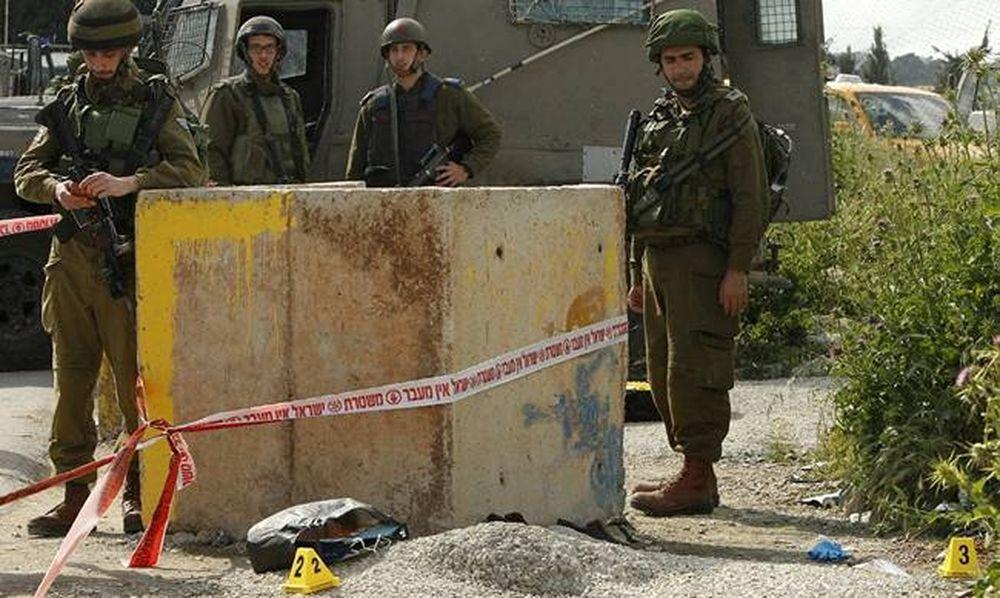 Ισραηλινοί στρατιώτες σκότωσαν Παλαιστίνιο που τους επιτέθηκε με τσεκούρι