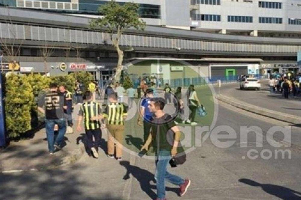 Σοκ: Πυροβόλησαν οπαδό της Φενέρ έξω από το γήπεδο! (photo)