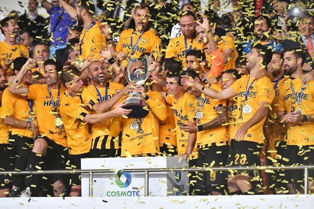 Ολυμπιακός – ΑΕΚ 1-2: «Κιτρινόμαυρο» γλέντι με Μάνταλο και Τζιμπούρ!