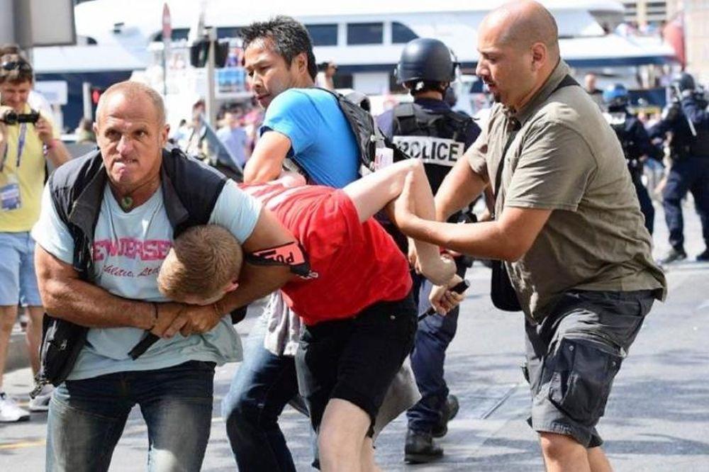 Euro 2016: Απίστευτο ξύλο στη Μασσαλία (photos)
