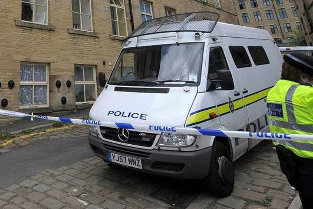 Αγγλία: Μαχαίρωσαν και πυροβόλησαν βουλευτή - Μεγάλη αστυνομική επιχείρηση (Photos)
