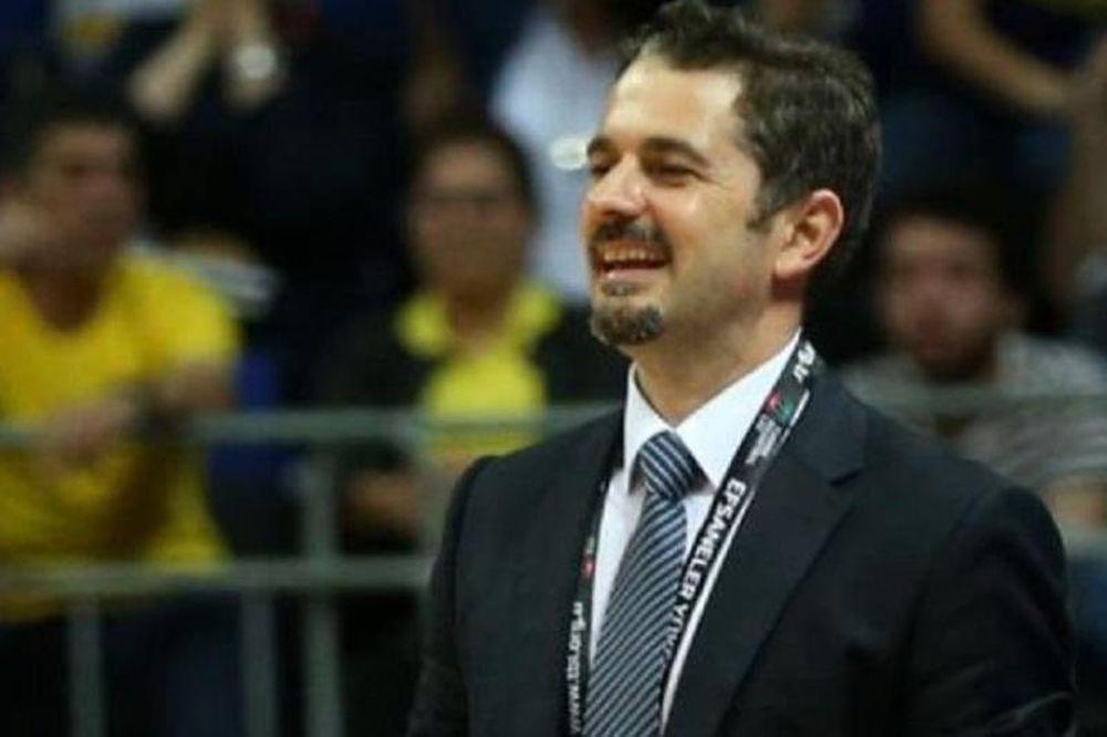 Ο προπονητής της Εφές είναι ο αντι-Ομπράντοβιτς!