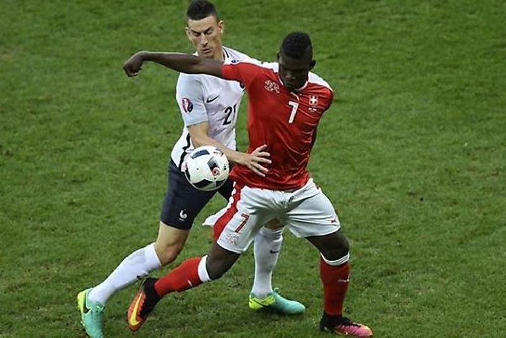 Euro 2016: Δοκάρια και Ζόμερ κράτησαν την ισοπαλία - στους «16» Γαλλία και Ελβετία!
