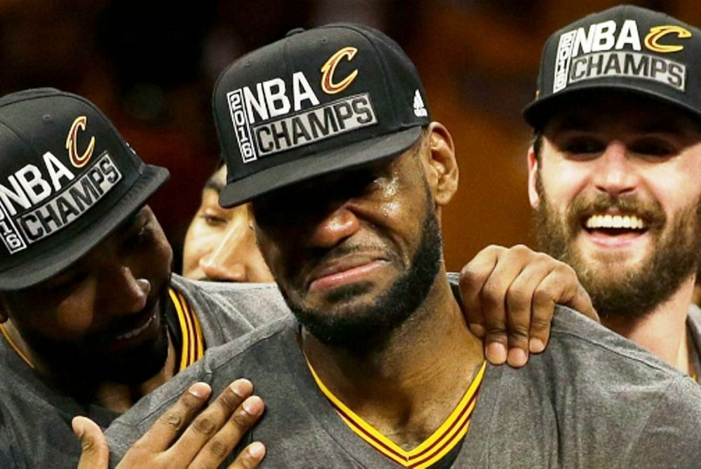 NBA: Ξέσπασε σε κλάματα ο ΛεΜπρον (videos)