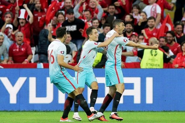 Euro 2016: Τσεχία – Τουρκία 0-2: Κοντά στο θαύμα!