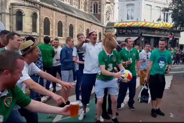 Euro 2016: Ένας Ιρλανδός με μάσκα… αλόγου κάνει βολέ σε ανοιχτό παράθυρο! (video)