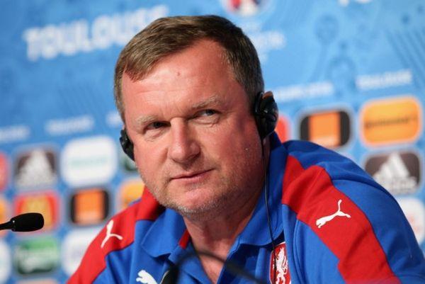 Euro 2016: Έμεινε ο Βρμπα στην Τσεχία