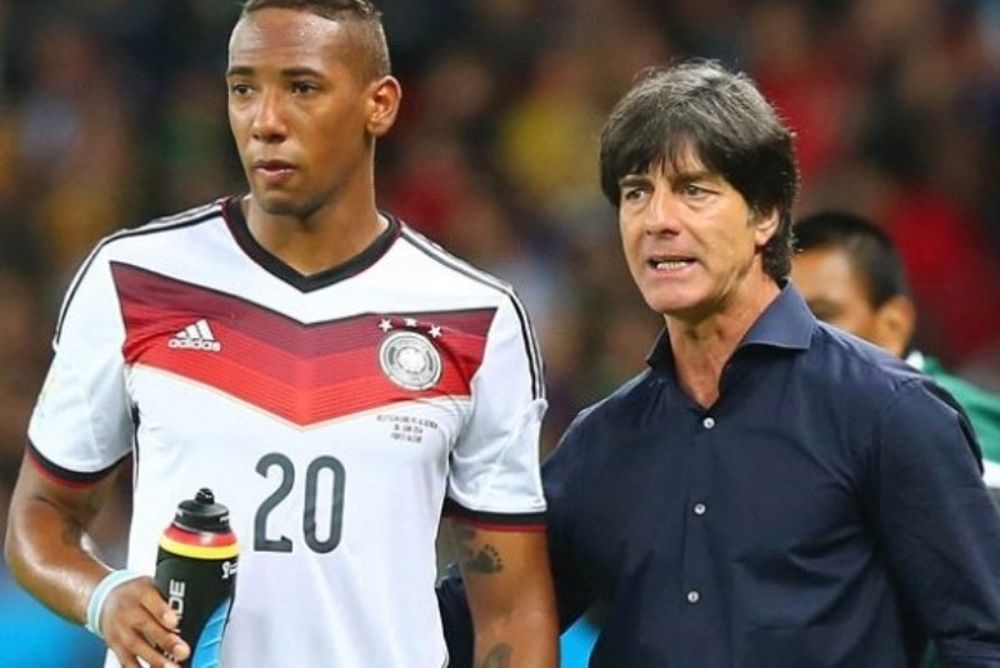 Euro 2016: Πολύ γέλιο - Ο Μπότενγκ απέφυγε να δώσει χέρι στον Λεβ! (video)