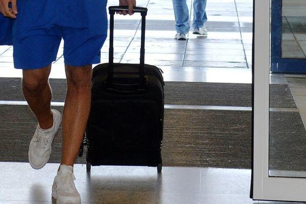 Με τη βαλίτσα στο χέρι επιθετικός αθηναϊκής ομάδας!