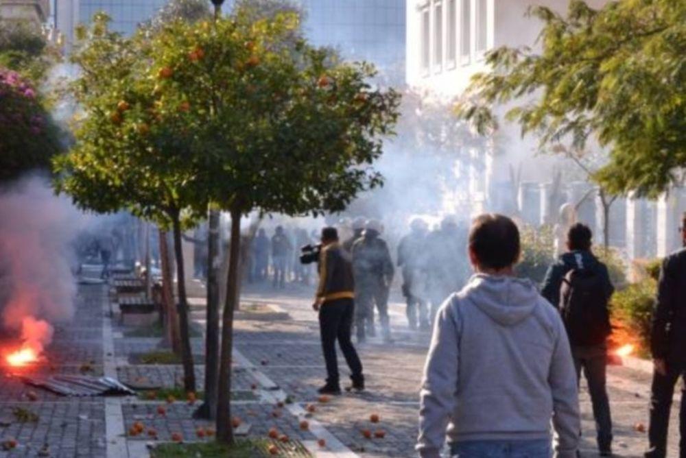Έπεσε ξύλο στη Νίκαια: Πλακώθηκαν οπαδοί του Ιωνικού και της Προοδευτικής!