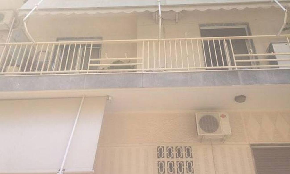 ΣΟΚ! Παιδάκι έπεσε από το μπαλκόνι του σπιτιού του στην Καλλιθέα