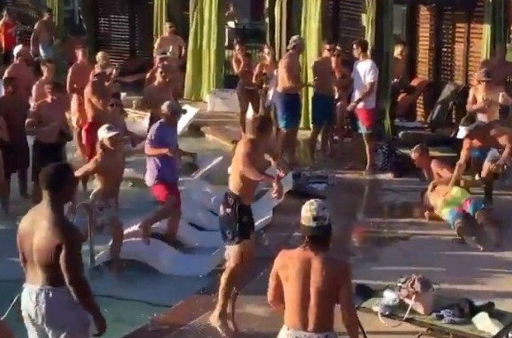 Ποιο πάρτι; Άγριο ξύλο μεταξύ φοιτητών στην πισίνα! (video)