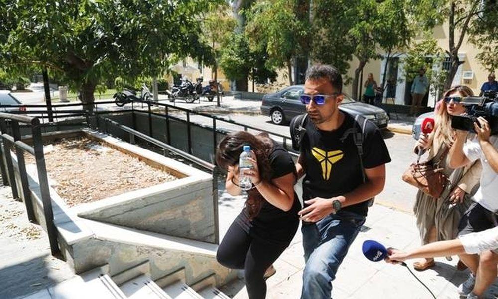 Ανατριχιαστική μαρτυρία για το έγκλημα στο Κορωπί: Τα παιδιά ήταν μόνα, φώναζαν βοήθεια κι εκείνη...
