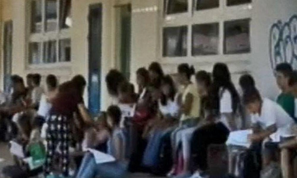 Η... Παιδεία του Νίκου Φίλη: Μάθημα σε παγκάκια! (pics+vid)