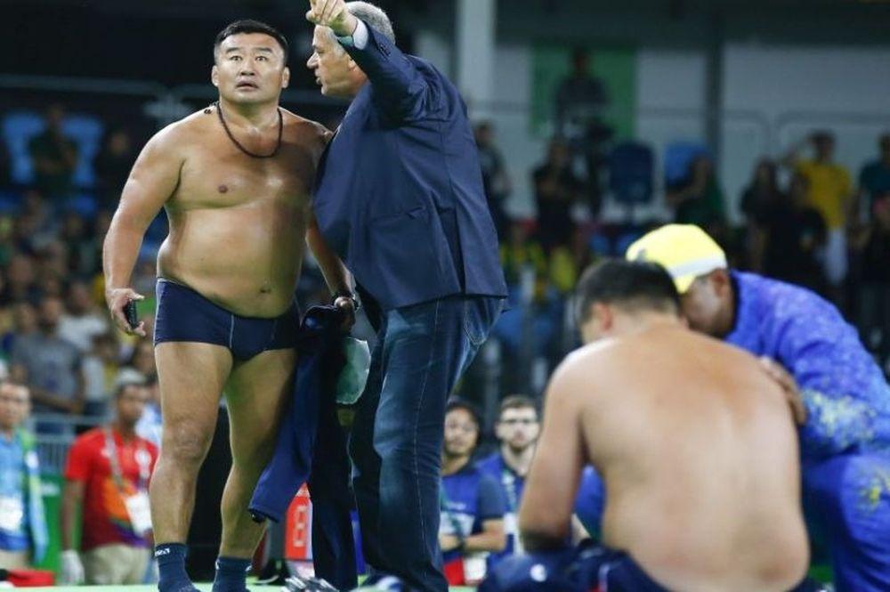 Βαριά «καμπάνα» στους προπονητές πάλης της Μογγολίας για το στριπτίζ τους στο Ρίο