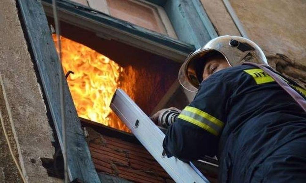 Μεγάλη πυρκαγιά σε διαμέρισμα στη Νέα Φιλαδέλφεια