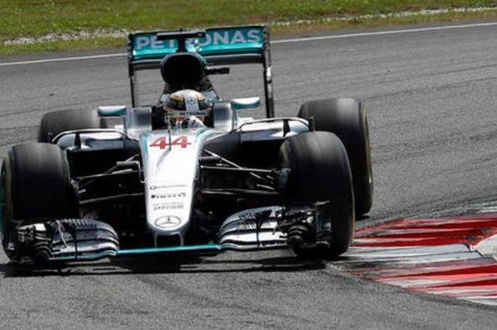 Χάμιλτον: Οκτώ κινητήρες της Mercedes στην F1 και μόνο ο δικός μου έχει πρόβλημα!