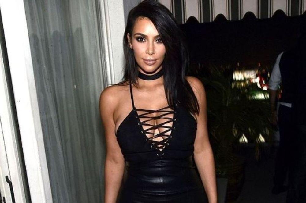 Kim είσαι! Η reality star βγήκε για φαγητό και δεν φορούσε εσώρουχο