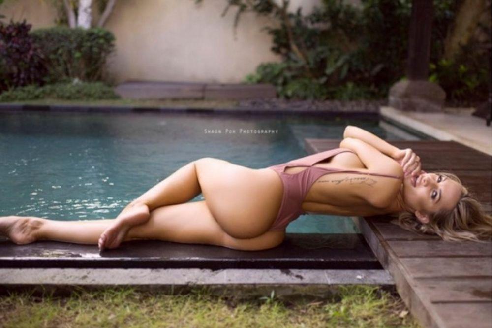 Η Ροζάνα Αρκλ έχει πίσω – κίνηση «φωτιά» (photos)