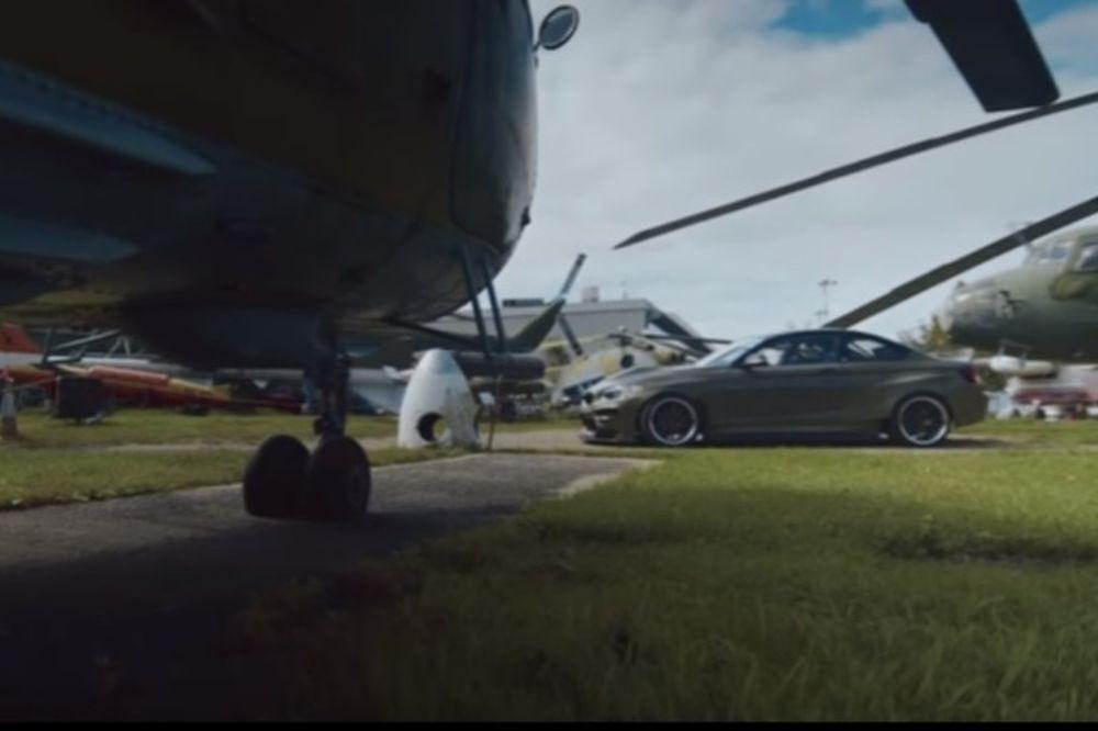 BMW με κινητήρα ελικοπτέρου σπάει τα κοντέρ (video)