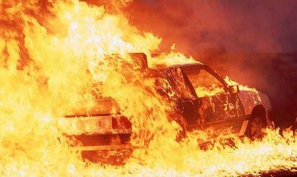 Πανικός στο Ρέθυμνο – Στις φλόγες αυτοκίνητο με τουρίστες